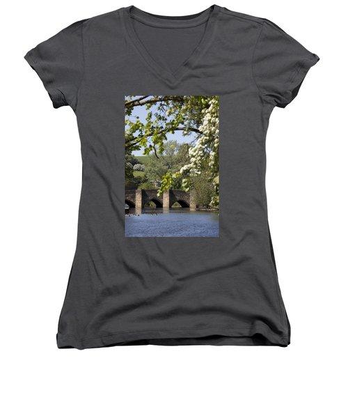 Bakewell Beauty Spot Women's V-Neck T-Shirt