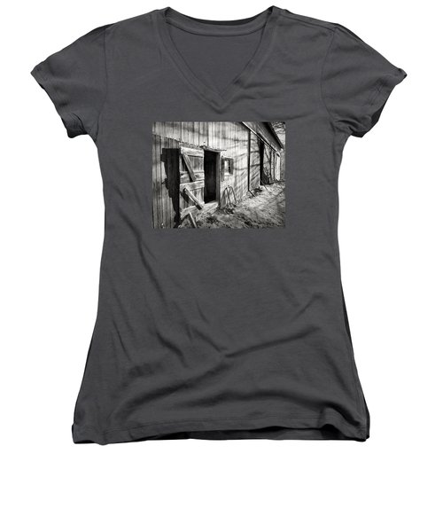 Barn Doors Women's V-Neck