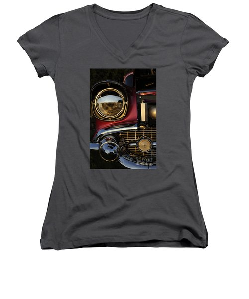 Beaming Women's V-Neck (Athletic Fit)