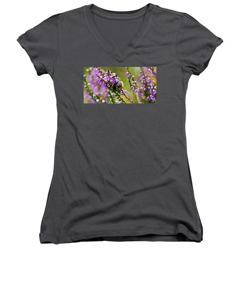 Bee On Heather Women's V-Neck