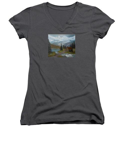 Big Storms A Comin' Women's V-Neck T-Shirt
