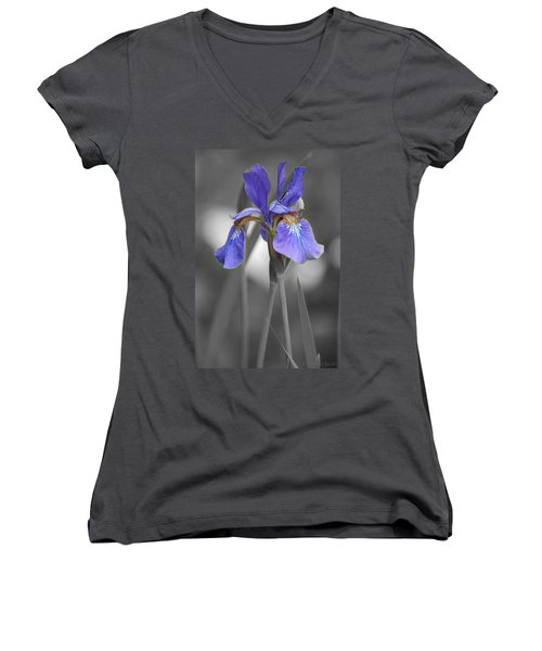 Black And White Purple Iris Women's V-Neck T-Shirt