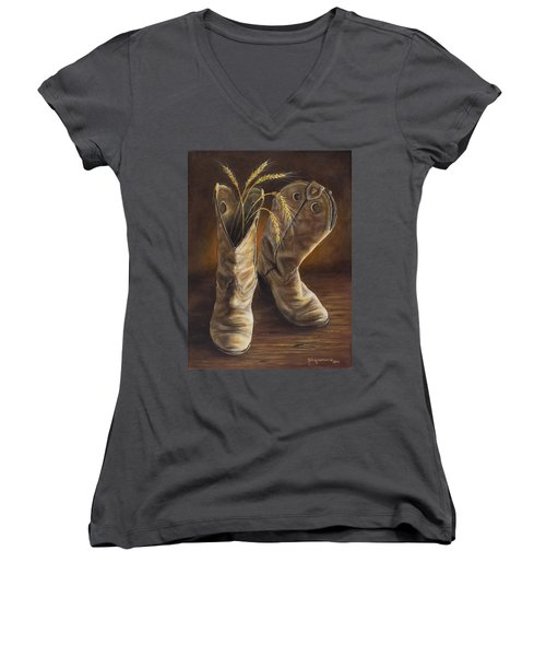 Boots And Wheat Women's V-Neck