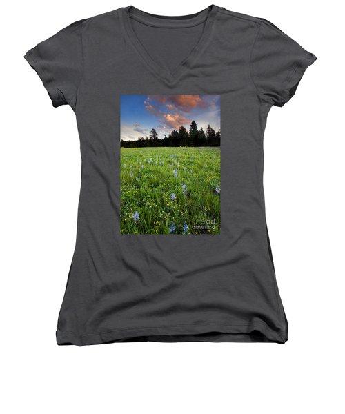 Camas Sunset Women's V-Neck T-Shirt