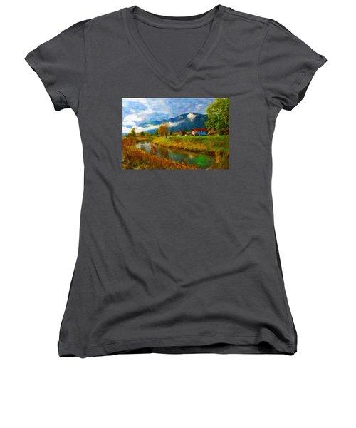 Canal 1 Women's V-Neck T-Shirt