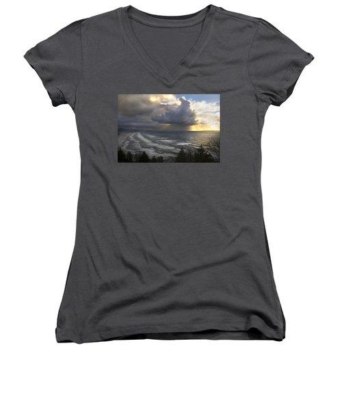 Sunset At Cape Lookout Oregon Coast Women's V-Neck T-Shirt