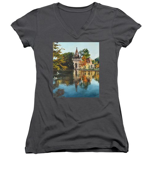 Castle On The Water Women's V-Neck T-Shirt