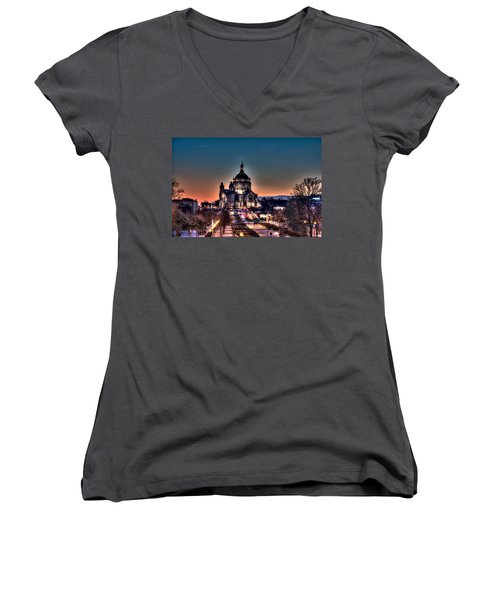 Cathedral Of Saint Paul Women's V-Neck T-Shirt (Junior Cut) by Amanda Stadther