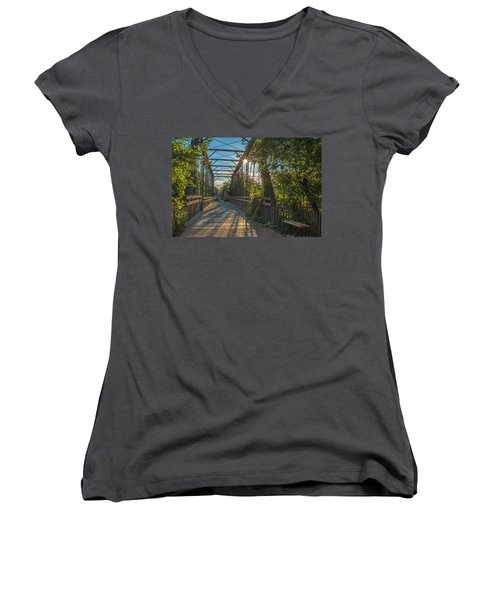 Cedarburg Footbridge Women's V-Neck