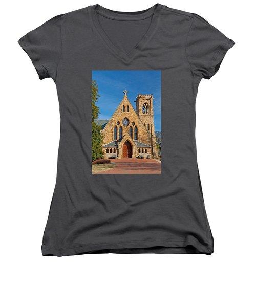 Chapel At Uva Women's V-Neck T-Shirt