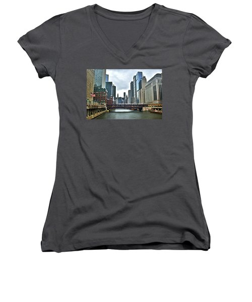 Chicago River And City Women's V-Neck T-Shirt
