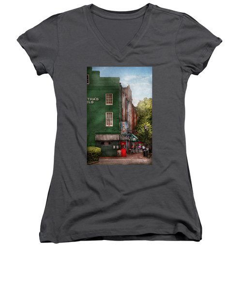 City - Baltimore - Fells Point Md - Bertha's And The Greene Turtle  Women's V-Neck