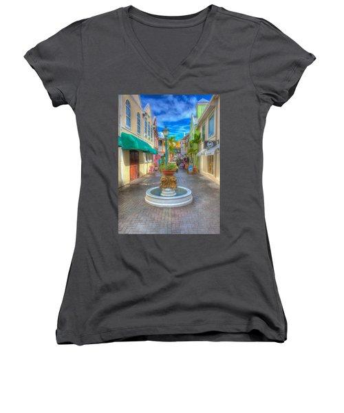 Classic Hdr Fountain Women's V-Neck T-Shirt