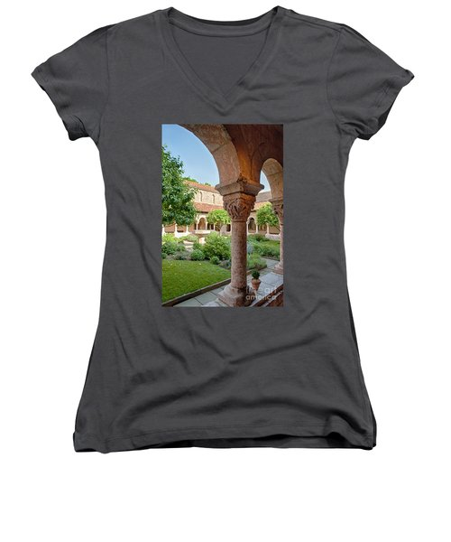 Cloisters Courtyard Women's V-Neck