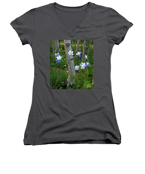 Columbouquet Women's V-Neck (Athletic Fit)