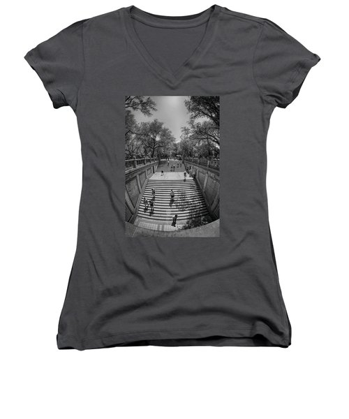 Commute Women's V-Neck