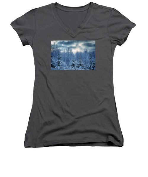 Cool Sunrise Women's V-Neck T-Shirt (Junior Cut)
