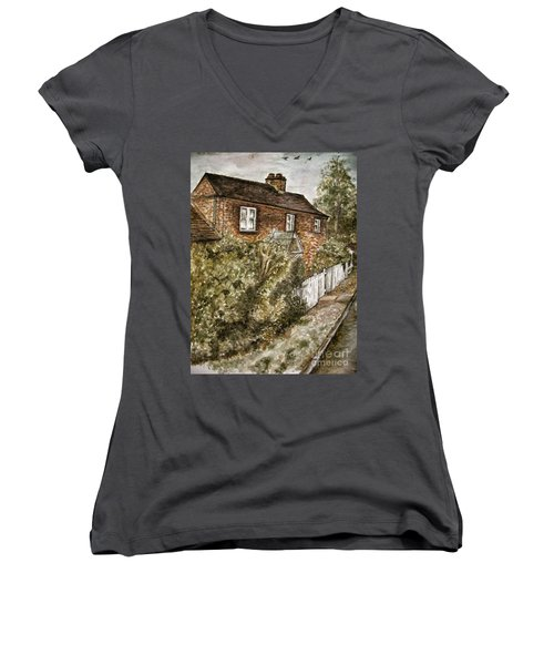 Old English Cottage Women's V-Neck T-Shirt