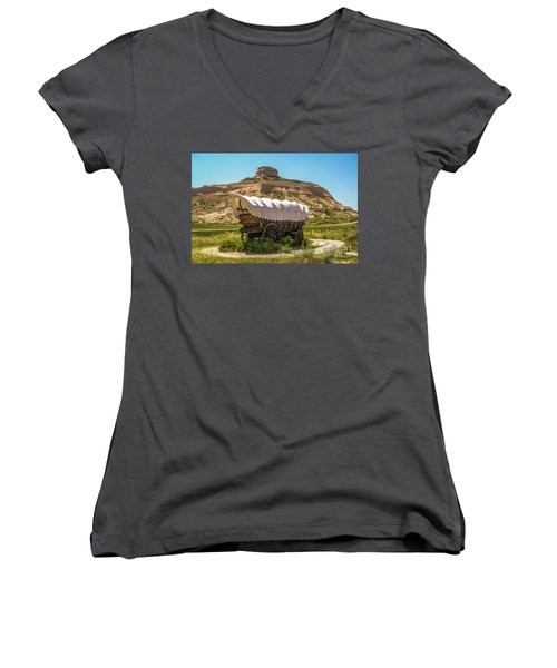 Women's V-Neck T-Shirt (Junior Cut) featuring the photograph Covered Wagon At Scotts Bluff National Monument by Sue Smith