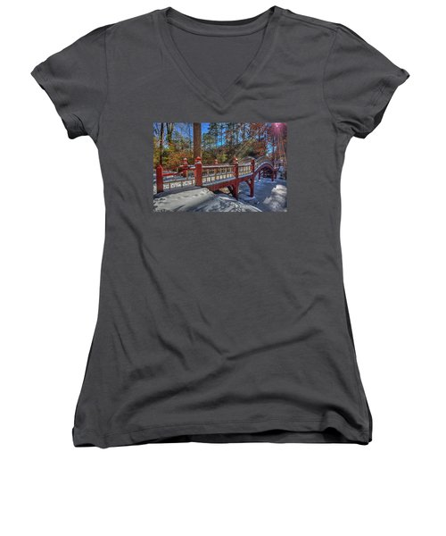 Crim Dell Bridge William And Mary Women's V-Neck T-Shirt