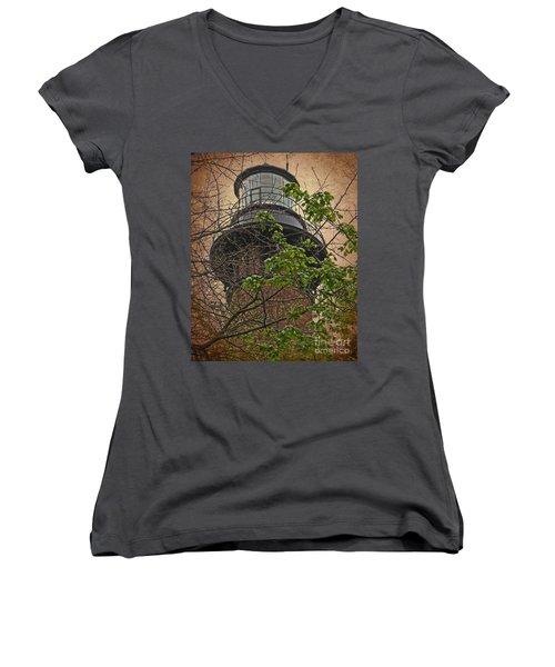Currituck Light House Women's V-Neck T-Shirt