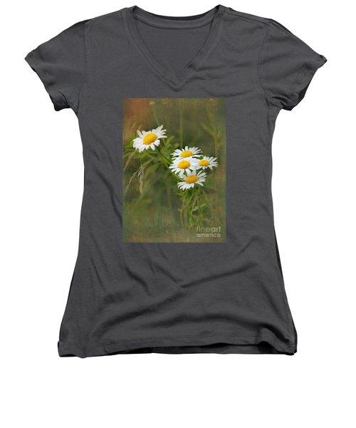 Daisies Women's V-Neck T-Shirt