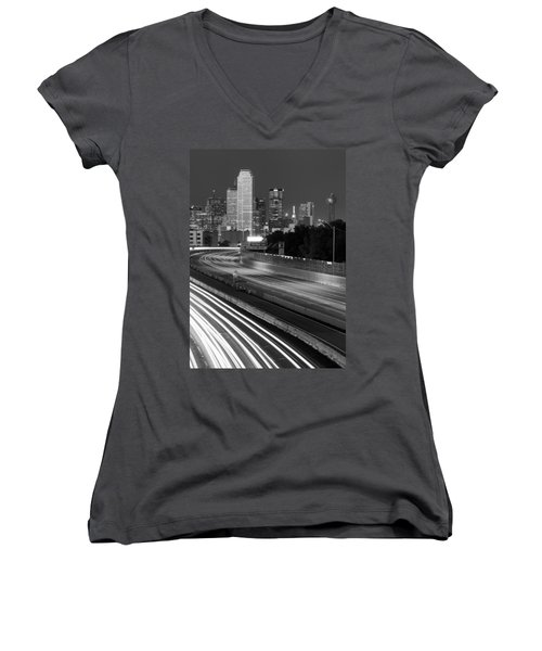 Dallas Arrival Bw Women's V-Neck T-Shirt