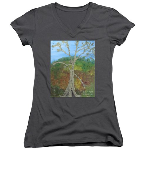 Dash The Running Tree Women's V-Neck T-Shirt (Junior Cut)