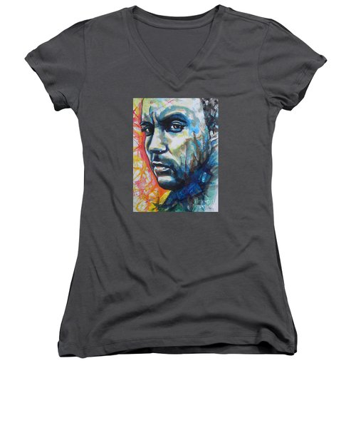 Dave Matthews Women's V-Neck T-Shirt