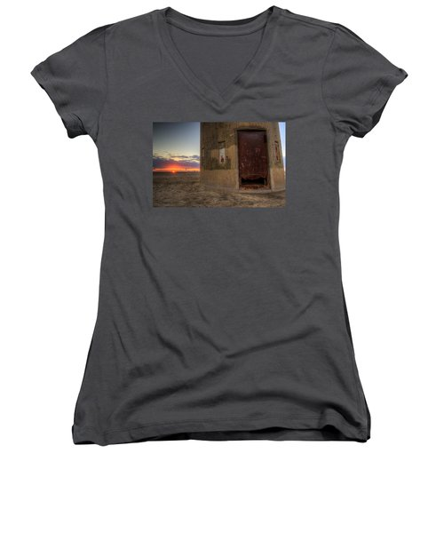 Delaware Lookout Tower Women's V-Neck