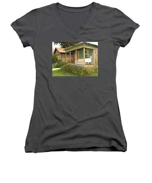 Delta Sharecropper Cabin - All The Conveniences Women's V-Neck T-Shirt