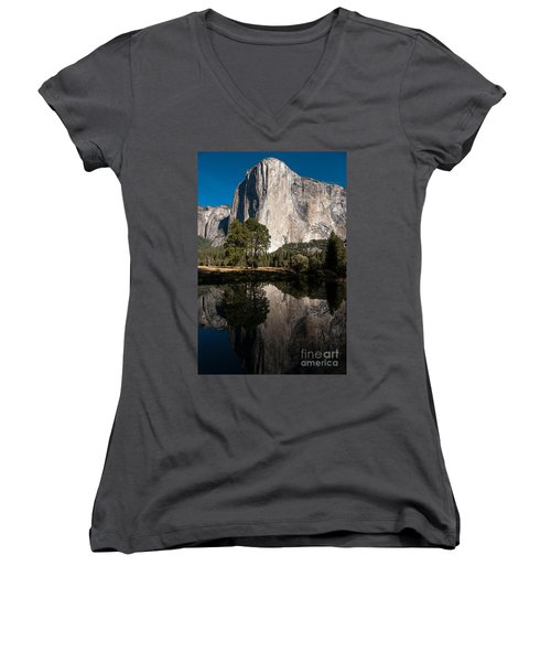 El Capitan In Yosemite 2 Women's V-Neck T-Shirt