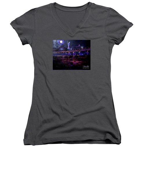 Evening Kiev. Paton Bridge Women's V-Neck T-Shirt
