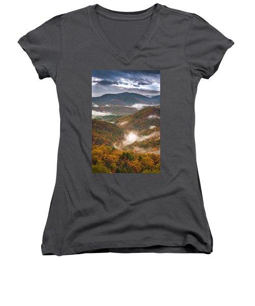 Fall Ridges Women's V-Neck