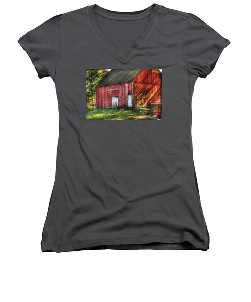Farm - Barn - The Old Red Barn Women's V-Neck