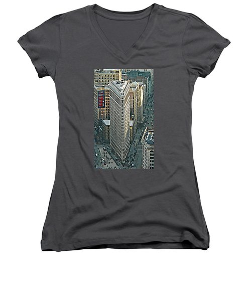 Flatiron Building Nyc 1 Women's V-Neck