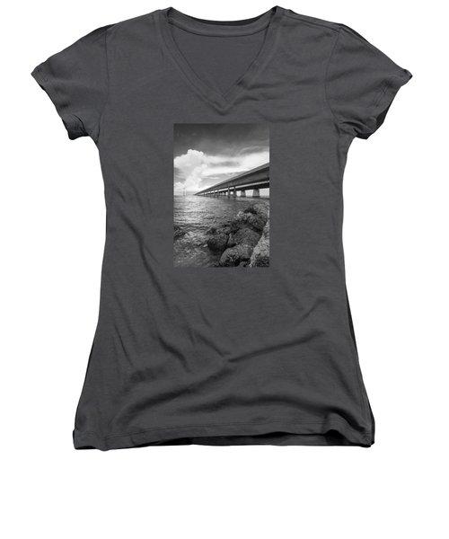 Florida Keys Seven Mile Bridge South Bw Vertical Women's V-Neck T-Shirt