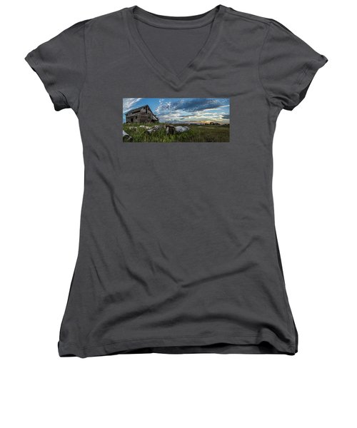 Forgotten I Women's V-Neck T-Shirt