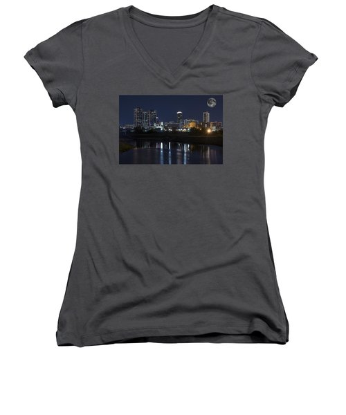 Fort Worth Skyline Super Moon Women's V-Neck (Athletic Fit)