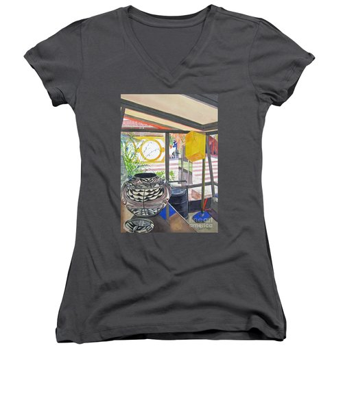 Frank Lloyd Wright Taliesin West Women's V-Neck T-Shirt (Junior Cut)