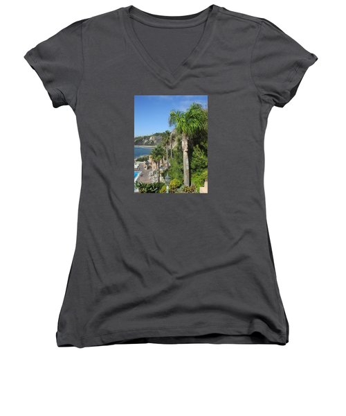 Giant Palm Women's V-Neck (Athletic Fit)