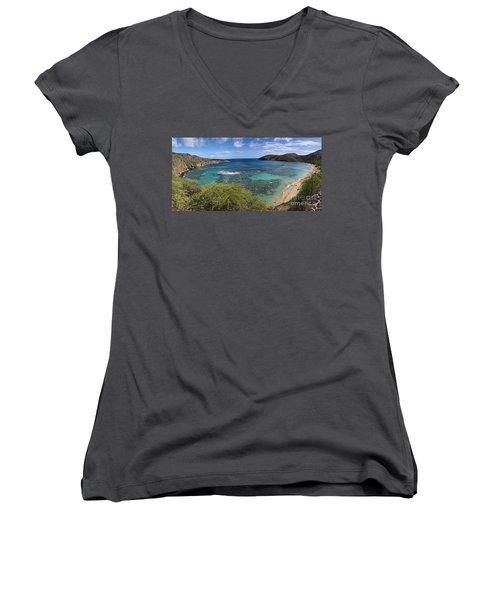 Hanauma Bay Panorama Women's V-Neck T-Shirt