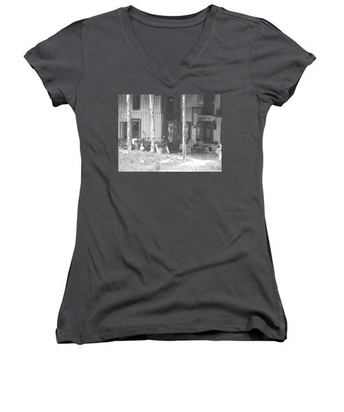 Helsabeck Home Women's V-Neck T-Shirt