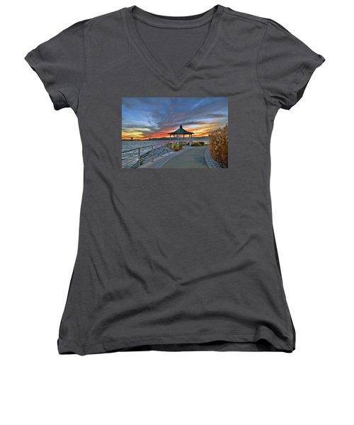 Hudson River Fiery Sky Women's V-Neck (Athletic Fit)