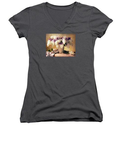 Hydrangea Summer Display Women's V-Neck