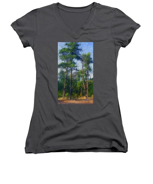 Impression Trees Women's V-Neck