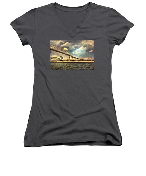 International Bridge Sault Ste Marie Women's V-Neck T-Shirt