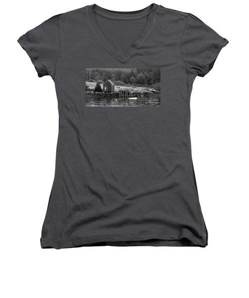 Island Shoreline In Black And White Women's V-Neck T-Shirt
