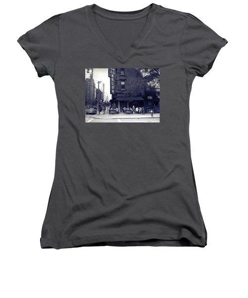 J.g. Melon - Manhattan  Women's V-Neck T-Shirt