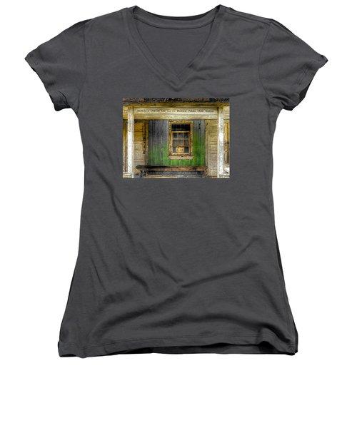 Kohala Mule Station Women's V-Neck T-Shirt